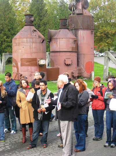 Rich Haag with students in Gas Works Park