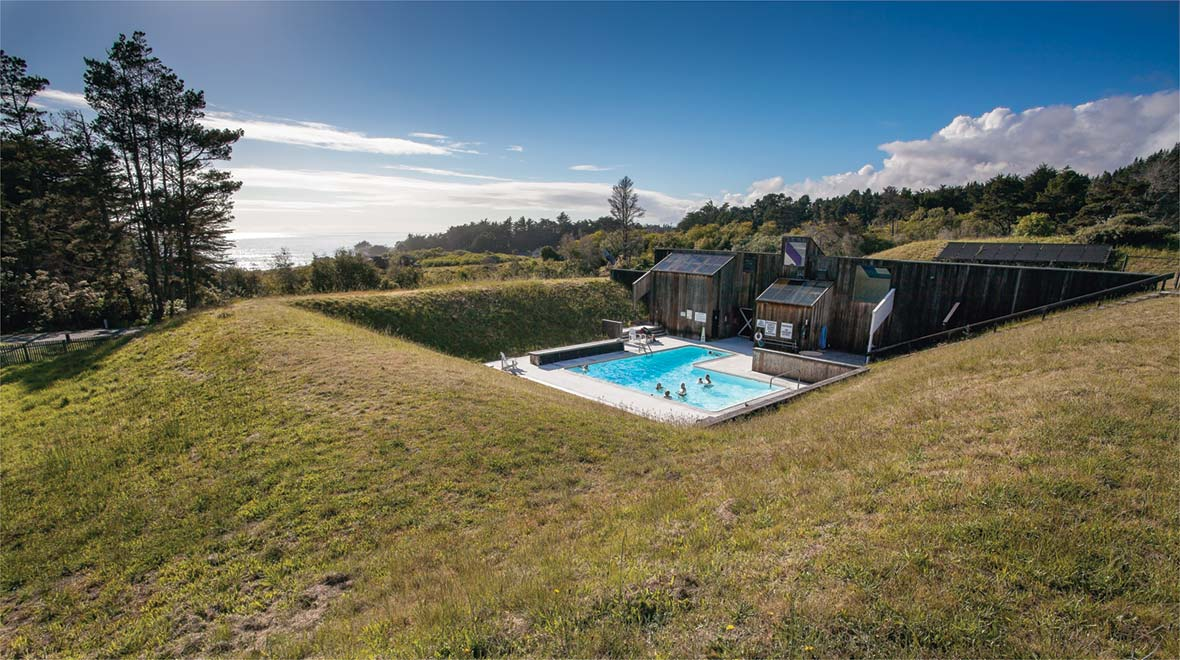 The landscape architecture of lawrence halprin the for Sea ranch house