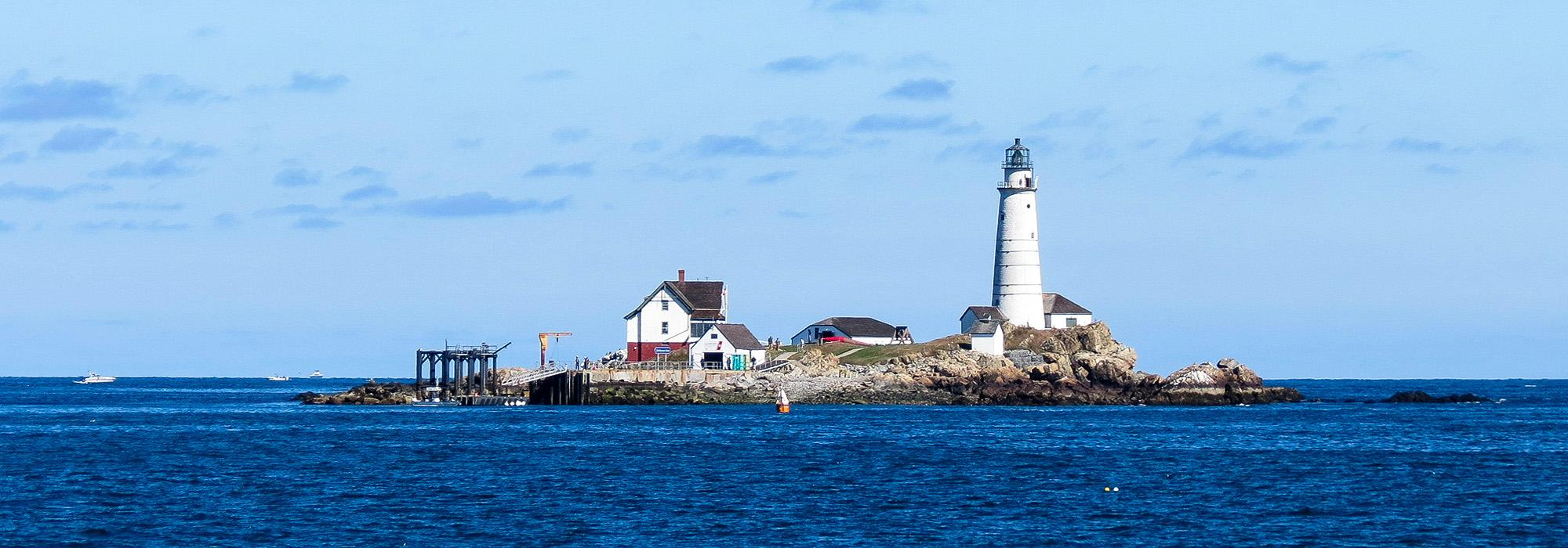 BostonLight_hero_RobertLinsdell_Wikimedia_2013_03.jpg
