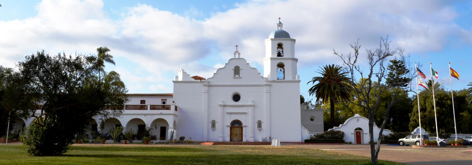 CA_SanDiego_Mission_San_Luis_Rey_de_Francia_Nandaro_2014_WikimediaCommons_002_hero.jpg