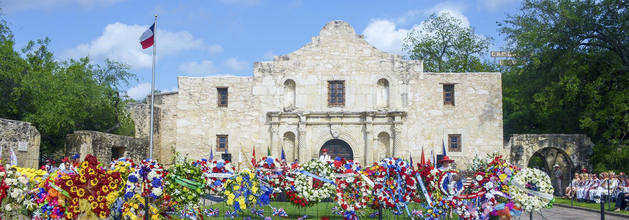 TX_SanAntonio_Alamo_JoelMartinez_2014_01_CityGuide_Hero_14.jpg