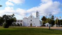 CA_SanDiego_Mission_San_Luis_Rey_de_Francia_Nandaro_2014_WikimediaCommons_002_sig.jpg