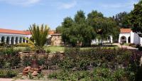 CA_SanDiego_Mission_San_Luis_Rey_de_Francia_Visitor7_2013_WikimediaCommons_005_sig.jpg