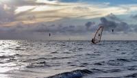 NC_CapeHatterasNationalSeashore_WindsurfersAlongTheShoreline_byEricWettstein_2014_001_sig.jpg