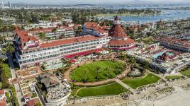 CA_Coronado_HoteldelCoronado_courtesyWikimediaCommons_2016_001_Sig.jpg