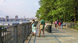 NY_NYC_BrooklynHeightsPromenade_WikimediaCommons_2006_01.jpg