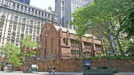 NY_NewYork_TrinityChurch_byRussellLovrin_2008_001_sig.jpg