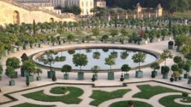 Palace-of-Versailles-sig.jpg