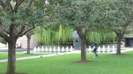 TX_Dallas_NasherSculptureGarden_signature_06_CharlesBirnbaum_2006.jpg
