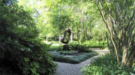 ValleyHouseSculptureGarden_feature_CharlesBirnbaum_2010.jpg