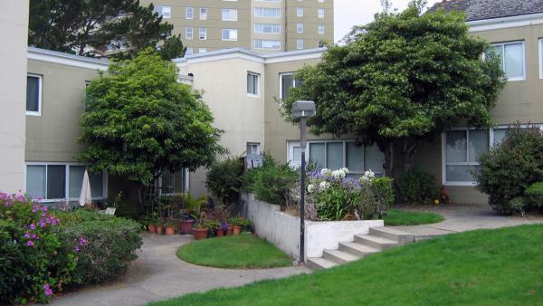 2CA - San Fran and Sonoma - Park Merced 08-07 096_Signature.jpg