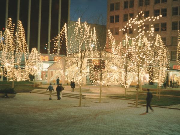 Park Central Square_01