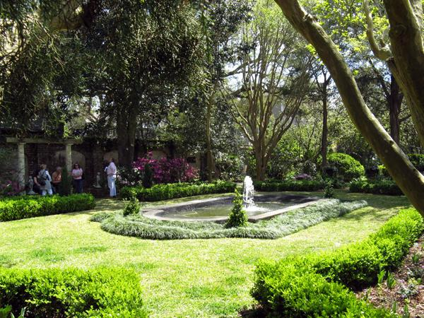 William Gibbes House and Garden_01