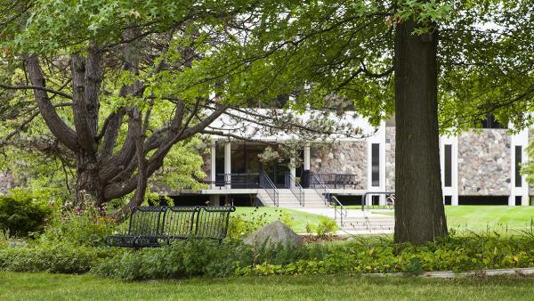 GrandValleyStateUniversity_GrandRapids-Michigan_BarrettDoherty_2015-03.jpg