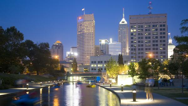 IN_Indianapolis_CanalWalk_20_CraigKuhner_2005.jpg