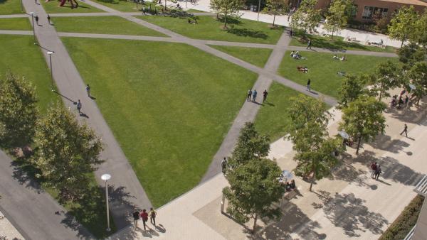 MIT-NorthCourt_signature_RyanIves_2012_06.jpg