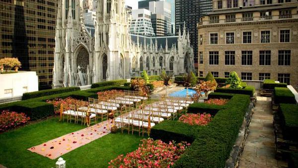 NYC_RockefellerCenterRooftopGardens_signature_RebeccaKinsey_04