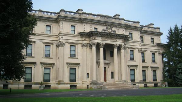 NY_HydePark_VanderbiltMansionNHS_signature_Daderot-Wikimedia_2009_02.jpg