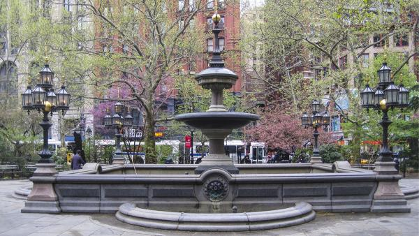 NY_NYC_CityHallPark_03_CharlesBirnbaum_2010_Signature.jpg