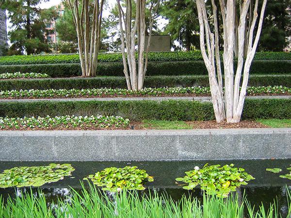 NasherSculptureGarden_07_CharlesABirnbaum_2006.jpg