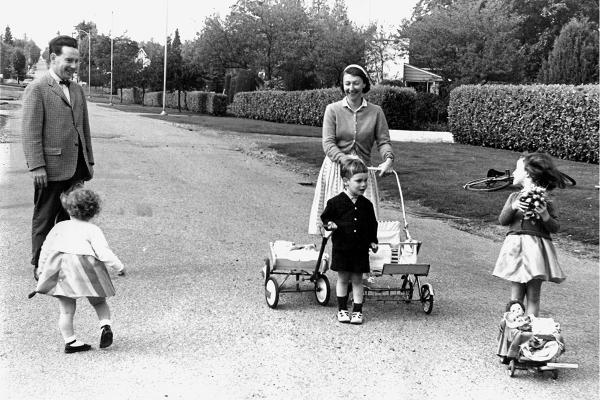 Oberlander_familyphoto_1963.jpg