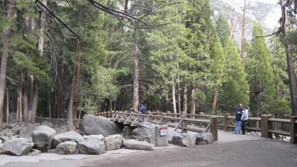 YosemiteFalls_signature_DonFox_2010_03.jpg