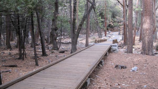YosemiteFalls_signature_DonFox_2010_04.jpg