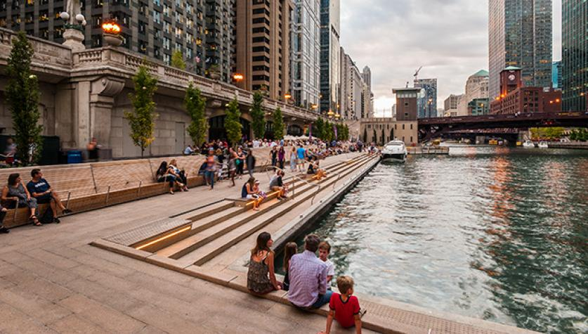 2015-ChicagoRiverwalk_102.jpg