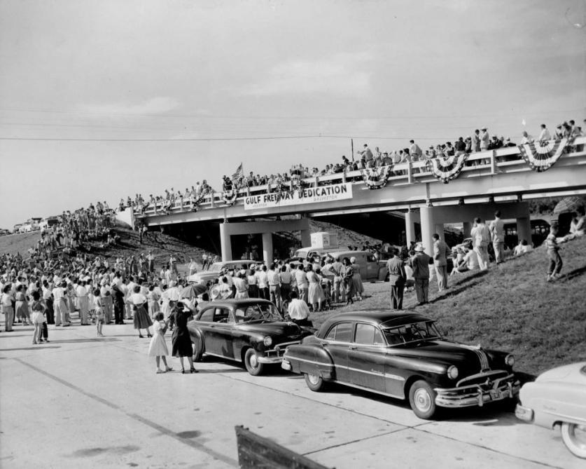 5_Gulf Freeway opening 1952.jpg
