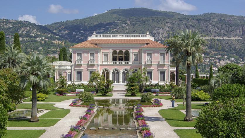 France_CapFerrat_Villa-Ephrussi-de-Rothschild_courtesyWikimediaCommons_2011_01_sig_01.jpg