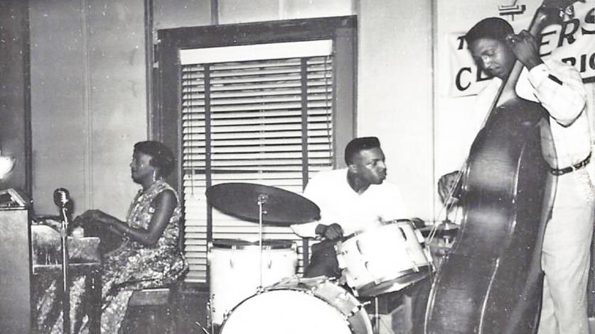 NJ_AsburyPark_SpringwoodAvenue_DeeHolland-TrioWithCliffJohnson-sax-AndClarencePickney-drums-_courtesyRileysPhotoStudio_1965_001_sig_001.jpg
