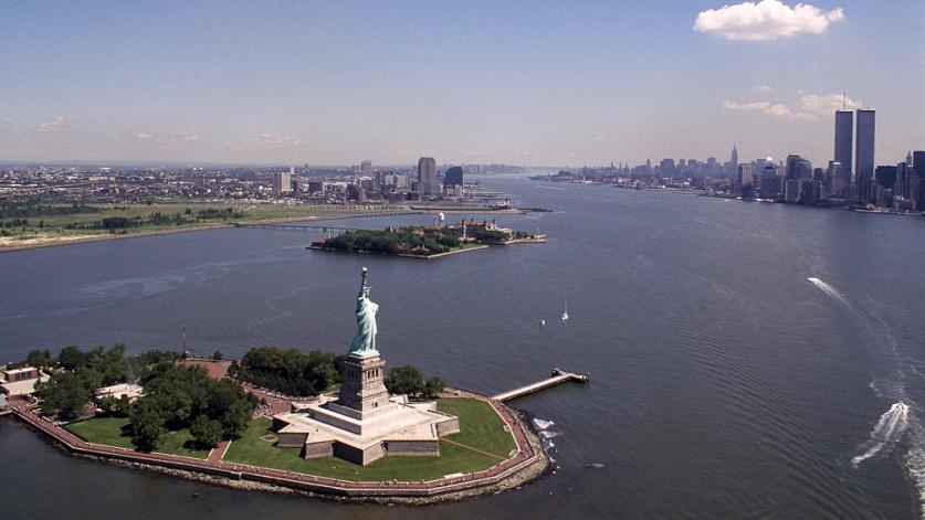 NY_StatueOfLiberty_1980_CarolMHighsmith.jpg
