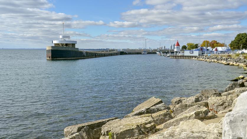 ON_Toronto_OntarioPlace_03_NicolaBetts_2012_sig_006.jpg