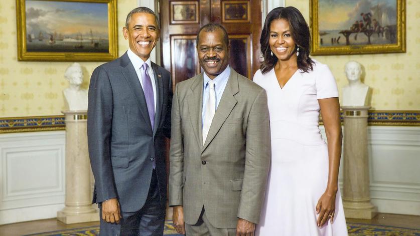 Obamas_Fly_feature_courtesyEverettFly.jpg