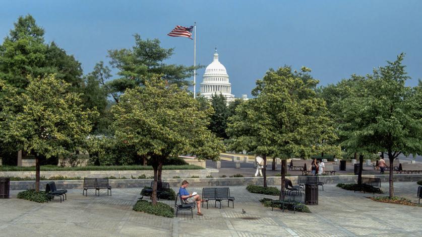 Washington_DC_JohnMarshallPark_04_JohnGustavsen_1983_sig_001.jpg