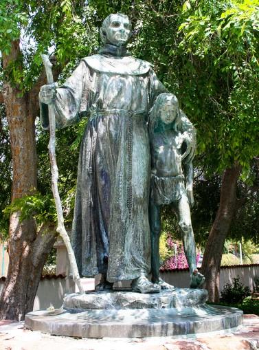 FatherSerra-statue.jpg