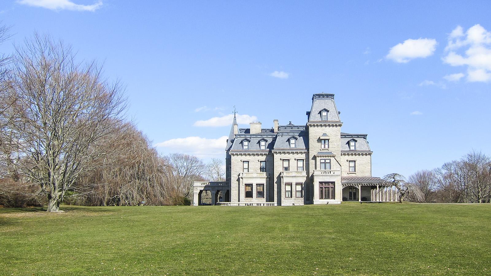 Chateau-sur-Mer.jpg