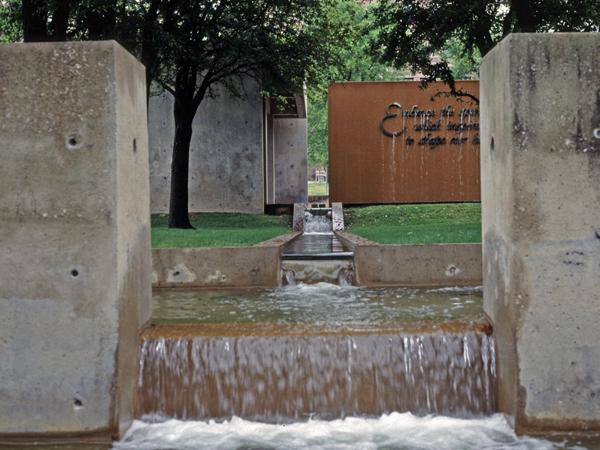Heritage Park Plaza_03