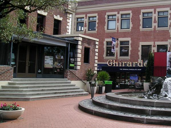 Ghirardelli Square_08