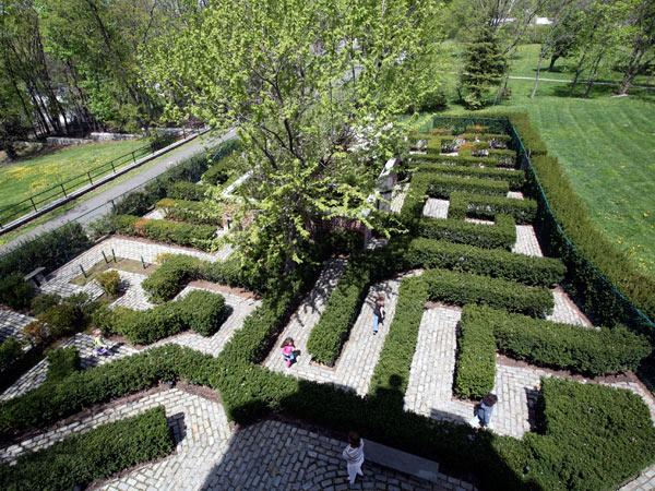 Beau ... Snug Harbor Cultural Center And Botanical Garden.  8003432827_71a20a92a6_o