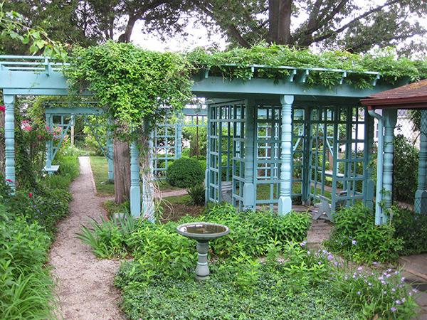 Anne-Spencer-Garden-1-Brian-Katen-2015.jpg