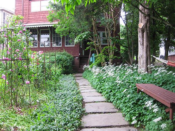 Anne-Spencer-Garden-6-Brian-Katen-2015.jpg