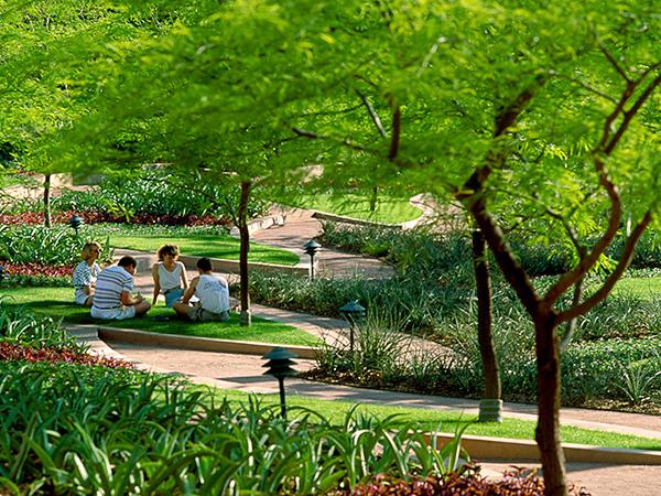ArizonaCenter-8-TomFox2007.jpg