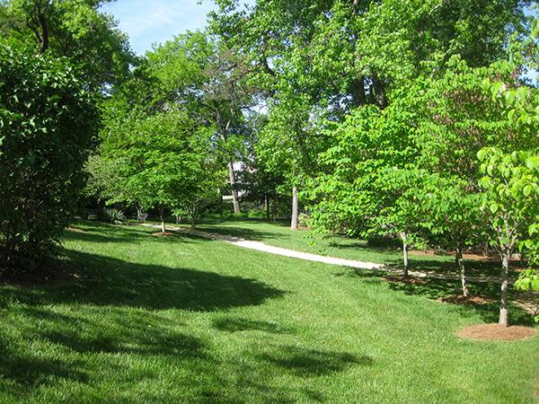 Beale-Memorial-Garden-2-Brian-Katen2015.jpg