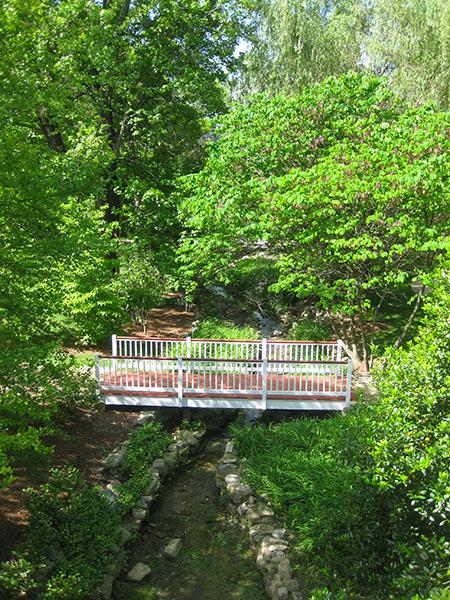 Beale-Memorial-Garden-3-Brian-Katen2015.jpg