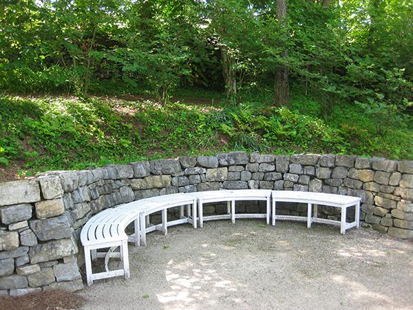 Beale-Memorial-Garden-6-Brian-Katen2015.jpg