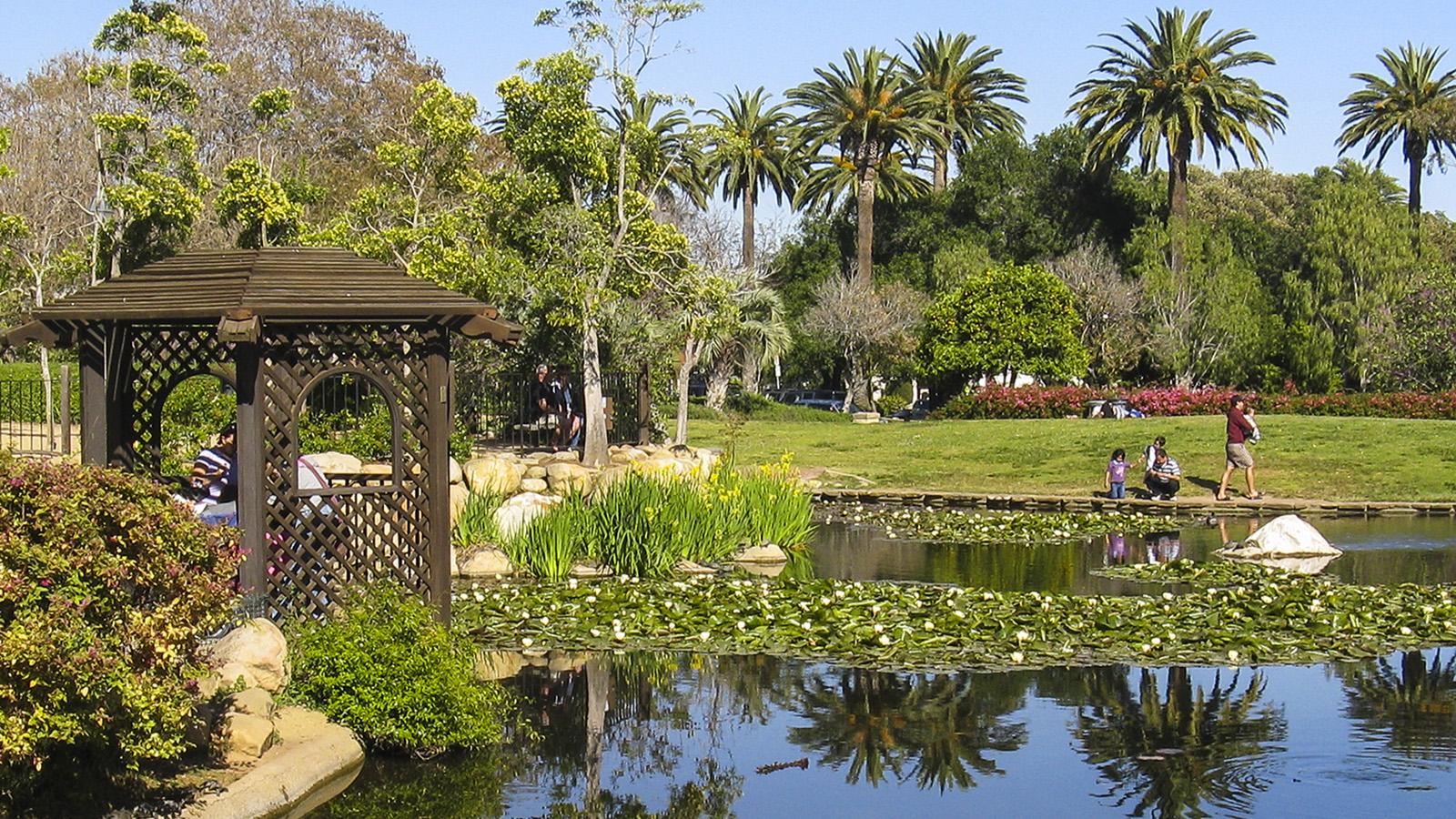 CA - SF and Santa Barbara 04-2009_121_Signature.jpg