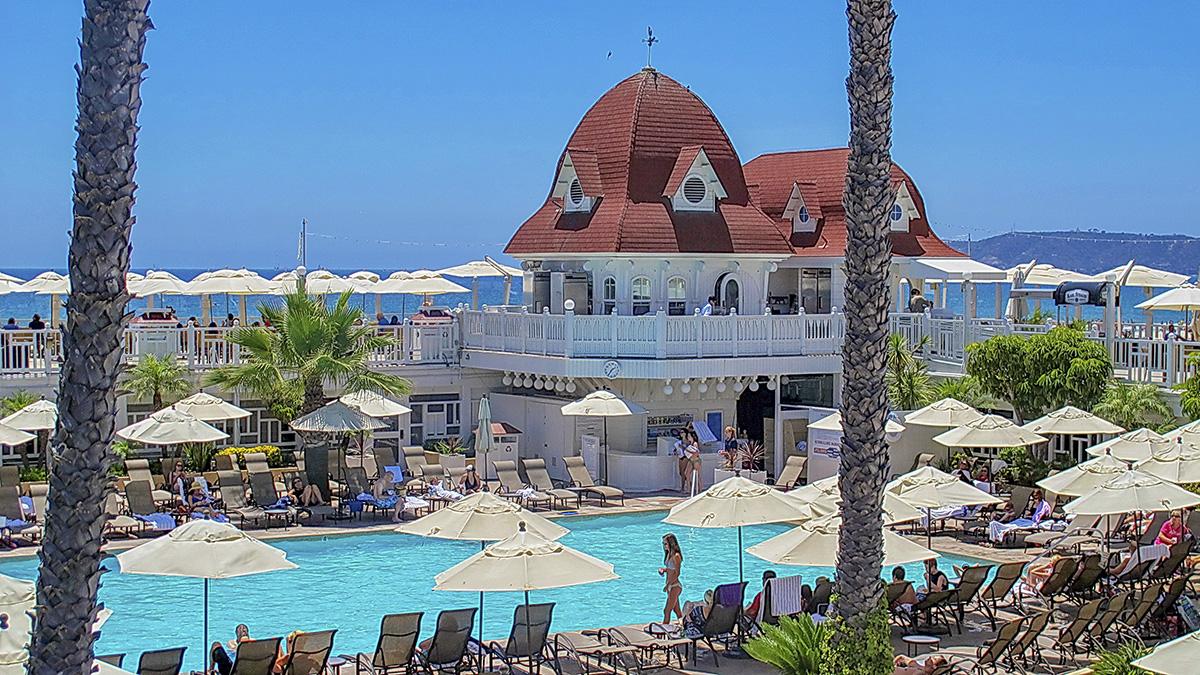 CA_Coronado_HoteldelCoronado_byAlanEnglish-Flickr_2013_002_sig_007.jpg