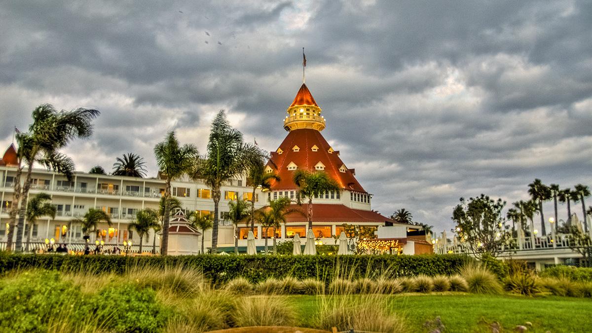 CA_Coronado_HoteldelCoronado_byAnandAcharya-Flickr_2009_001_sig_003.jpg