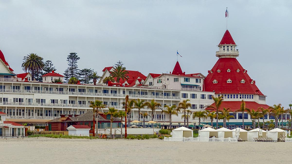 CA_Coronado_HoteldelCoronado_byMichaelSeljos-Flickr_2007_001_sig_010.jpg